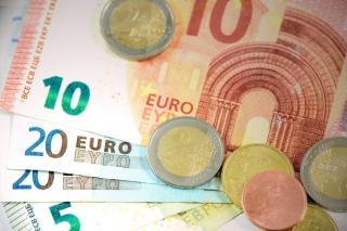 Prognoza curs euro - leu 2021: Noul an ne poate aduce un curs valutar piperat