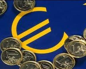 XTB: Euro ar putea ajunge la 4,54 lei, pana la sfarsitul anului