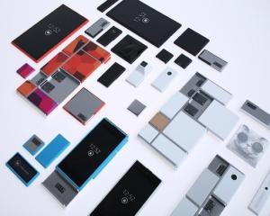 Frenezie in randul fanilor smartphone-urilor modulare. Ce anunt a facut Google despre Proiectul Ara