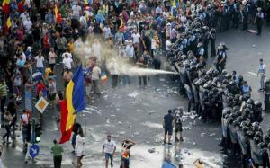 Ministrul de Interne anunta demiteri in masa la Jandarmeria Bucuresti. Motivul: Evenimentele din 10 august