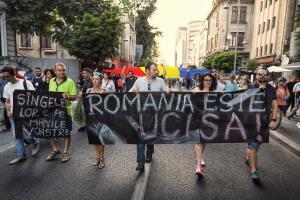 Mii de oameni protesteaza in strada pentru Alexandra. Se cere demisia Guvernului