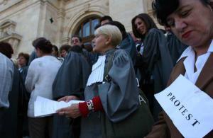 Din 27 ianuarie, grefierii NU VOR MAI LUCRA. Protesteaza impotriva eliminarii pensiilor speciale