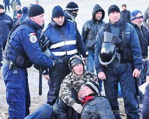 Vaslui: Protestele continua. La fel si activitatea Chevron