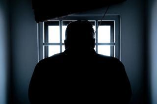 Detinutii din California au reusit sa deturneze, din spatele gratiilor, sute de milioane de dolari din fonduri guvernamentale