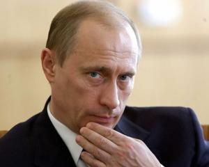 Putin interzice demnitarilor rusi sa detina conturi in strainatate