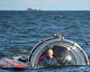 Vladimir Putin, aventuri cu submarinul ca in filmele cu James Bond