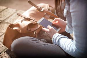 Radiatiile emise de telefon afecteaza memoria adolescentilor