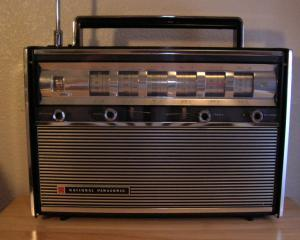 Editorial Dan Manusaride: 85 de ani de radio in Romania