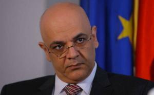 Raed Arafat propune interzicerea tigarilor electronice: Sunt