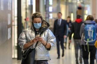 Raport OMS - Covid-19: Au crescut incidenta infectarilor in randul tinerilor si decesele in Europa