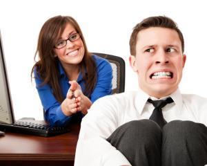 """10 intrebari care ar putea scoate """"untul"""" din candidati la interviul de angajare"""