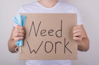 Din ce in ce mai multi romani isi pierd locurile de munca. Rata somajului a depasit pragul psihologic de 5 procente