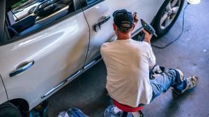 Romania are piata de asigurari auto cu cea mai mare rata a daunei din Europa Centrala si de Est
