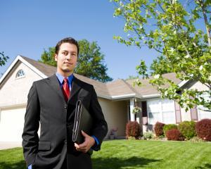 Cum sa ajungi broker imobiliar in 3 zile si cat te costa
