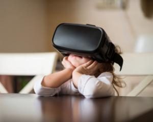 Cum va schimba realitatea virtuala educatia copiilor