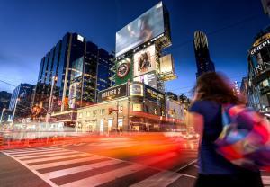 Cum sa iti promovezi afacerea: beneficiile publicitatii outdoor pentru succesul unui business