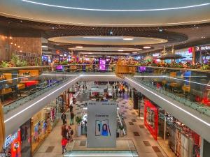 Cand se redeschid mall-urile? Raspunsul lui Raed Arafat