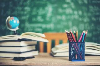 Experti: Continuarea scolii online creste riscul de abandon scolar si va crea lacune majore in educatie