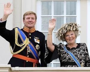 Regele Belgiei a anuntat ca abdica in favoarea fiului sau, printul Philippe
