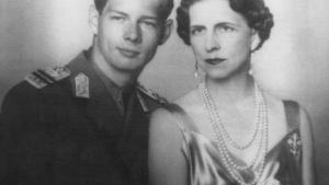Regina Elena se intoarce acasa. Osemintele Majestatii Sale vor fi inhumate cu funeralii nationale la Curtea de Arges