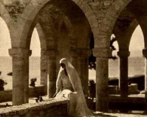 Regina Maria, lectie de istorie cu fundatia Calea Victoriei