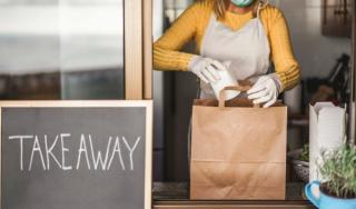 Manager de restaurant: Munca de acasa a pus pe butuci industria restaurantelor: Traim doar din poftele clientilor