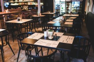 Comitetul Municipiului Bucuresti pentru Situatii de Urgenta interzice, din nou, activitatea restaurantelor si cafenelelor in interiorul cladirilor