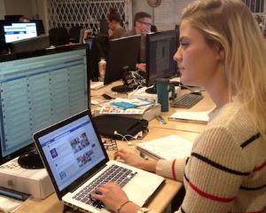 Sfatul expertului: Angajatii care utilizeaza retele sociale sunt mai productivi