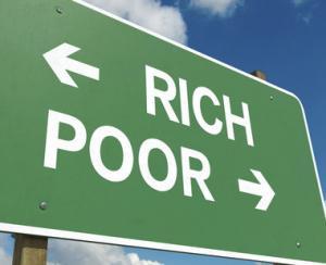 Intre bogatie si saracie