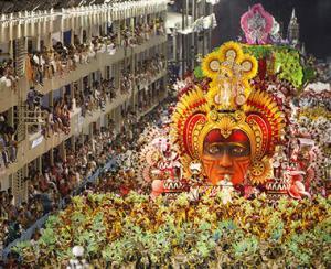 Carnavalul trece, problemele raman