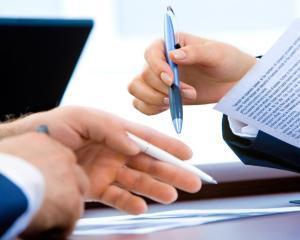 Cum iti protejezi afacerea de clientii rau-platnici