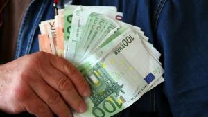 Oficial, 283.000 de romani castiga peste 1.000 de euro net pe luna