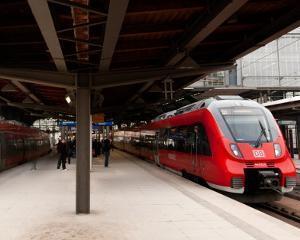 Romania este interesata ca Deutsche Bahn, cea mai mare companie feroviara din Europa, sa ia parte la privatizarea CFR Marfa
