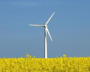 Romania primeste sute de milioane de lei din fonduri UE pentru energie verde