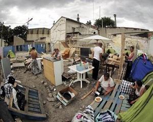 O tabara ilegala de romi de langa Paris, evacuata