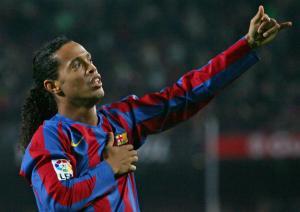 Ronaldinho schimba ghetele cu crampoane pe scaunul de senator?