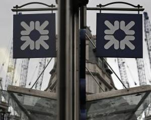 Royal Bank of Scotland va inchide 44 de sucursale