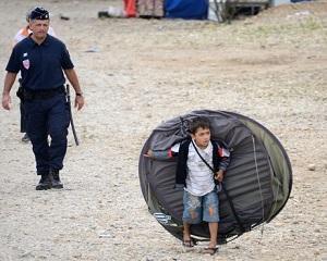 Organizatia Amnesty International denunta violentele impotriva rromilor din Europa