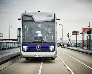 Daimler va verifica autobuzele Mercedes-Benz din Romania. Vehiculele prezinta riscul de accident