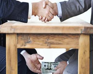 Studiu  O treime dintre companiile romanesti considera ca mediul de afaceri este afectat de coruptie