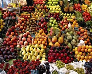 Fructele si legumele din import ajung la consumatori ca produse autohtone