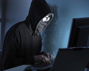 Grup de hackeri romani, destructurat de DIICOT, dupa ce au atacat banci din Romania si Italia