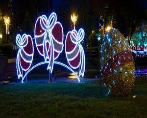 Iluminatul festiv de Paste ar urma sa coste primaria Capitalei peste 176 000 de euro