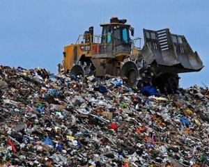 Comisia Europeana a dat in judecata Romania pentru ca nu a inchis 68 de gropi de gunoi