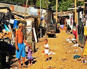 Peste 500 de comune din Romania au grade de saracie peste medie si severe