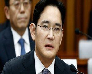 Mostenitorul imperiului Samsung suspect intr-un caz de dare de mita. Procurorii au cerut arestarea