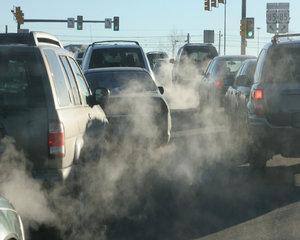Analistii avertizeaza: Automobilele vandute la noi in tara cu mai putin de 2.000 euro sunt aduse de la fiare vechi din Germania