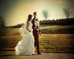 Primaria Capitalei va acorda stimulente de 1.500 de lei pentru tinerii care se casatoresc