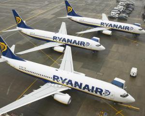 Ryanair a depasit recordul de pasageri in anul 2015