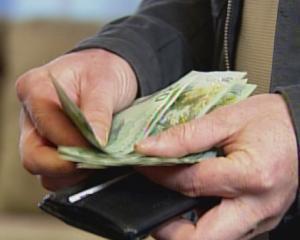 Castigul salarial mediu nominal net s-a majorat cu 1,7%